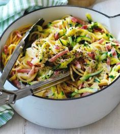 Courgetti Carbonara from Petra - Salad Recipes Good Healthy Recipes, Lunch Recipes, Low Carb Recipes, Healthy Vegetable Recipes, Salad Recipes, Zucchini Carbonara, I Love Food, Good Food, Yummy Food