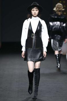 Reineren, Automne/Hiver 2018, Shanghai, Womenswear Skin To Skin, Shanghai, Goth, Leather, Style, Fashion, Fall Winter, Fashion Ideas, Gothic