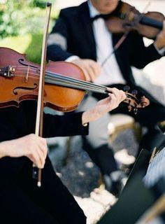 Un quatuor à cordes classique: www. Wedding Tips, Wedding Events, Wedding Reception, Wedding Planning, Event Planning, Wedding Fun, Wedding Wishes, Autumn Wedding, Wedding Themes