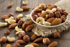Heart Healthy Diet: Nutrition experts recommend more nuts Protein Snacks, Healthy Snacks, Healthy Recipes, Fruit Sec Regime, Fruits Déshydratés, Snacks Saludables, Clean Plates, Get Thin, Fiber Rich Foods