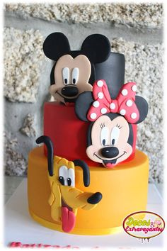 mickey minie and pluto cake