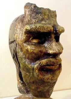 Mascara artesanal de papel mache