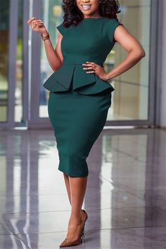 Office Dresses For Women, Dresses For Work, Dresses Dresses, Latest African Fashion Dresses, African Dresses For Women, Classy Work Outfits, Classy Dress, Look Fashion, Green Fashion