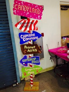 My candyland location sign! Love how it came out My candyland location sign! Candy Themed Party, Candy Land Theme, Candy Theme Classroom, Candy Decorations, Party Decoration, Trunk Or Treat, Willy Wonka, Chocolate Navidad, Fete Emma