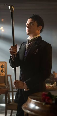 Gotham 2x20 - Penguin (Robin Lord Taylor) HQ