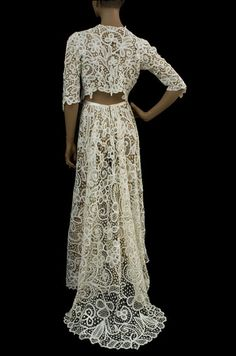 Edwardian long Battenburg lace ivory skirt with train. Matching cropped jacket. Photo: Vintage Textile