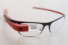 Google nu doreste sa renunte de tot la Google Glass. In momentul lansarii, Ochelarii de la Google au fost priviti ca o revolutie. Cu timpul insa, minusurile
