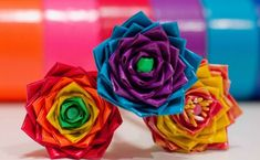 How To Make A Flower Pen Using Duct Tape | DIY Duct Tape Flowers and Other Cool Stuff To Make With Duct Tape | DIY Projects and Crafts by DIY Ready http://diyready.com/duct-tape-crafts-projects-ideas/