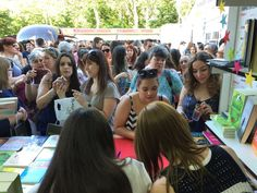 Elena Castillo y María Martínez firmando sus novelas en la Feria del Libro de Madrid 2016 Madrid 2016, Signs, Castle, Novels, Author, Novelty Signs, Signage, Dishes, Sign
