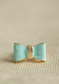 Très Jolie Bow Ring In Mint | Modern Vintage New Arrivals