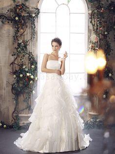 Strapless-Ivory-Brush-Train-Princess-Wedding-Dress-B12039