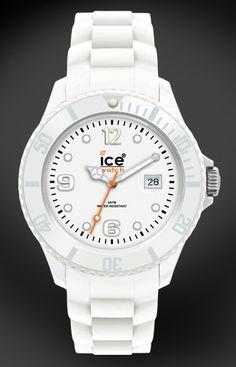 Love Ice Watch yine çok severek taktığım saatlerimden bir tanesi gayet rahat ve hafif