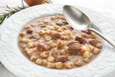 Un piatto di pasta e fagioli metterà sempre tutti d'accordo. Una ricetta classica della cucina italiana, da realizzare con fagioli secchi o freschi. Ecco come prepararla