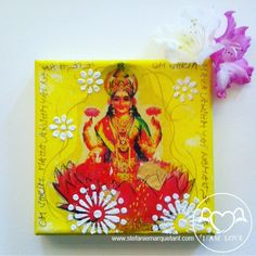 »OM shrim mahalakshmyai namaha« | Collage / Mixed Media / Acryl auf Leinwand | 15 x 15 |  Lakshmi ist die hinduistische Göttin des Glücks, des Wohlstandes, der Schönheit, der Liebe, der Fruchtbarkeit und der Gesundheit. Sie spendet nicht nur Reichtum, sondern auch geistiges Wohlbefinden, Harmonie und Fülle.  #glück #schönheit #reichtum http://shop.stefaniemarquetant.com/prod…/15_x_15-il-lakshmi/