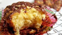 Greek Sweets, Greek Desserts, Candy Recipes, Sweet Recipes, Cookbook Recipes, Cooking Recipes, Cooking Tips, Coconut Macaroons, Mini Cakes
