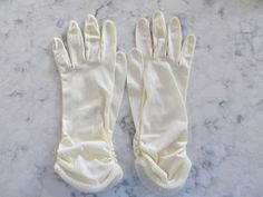 """VINTAGE 1950's Cream Ecru Colored Wrist Length Ruched Gloves---10"""" long---Size 7---Glove Auction #254 by PrimaMona on Etsy"""