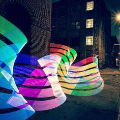 O Pixelstick é um bastão com LED que transforma suas imagens em longas exposições de cor;