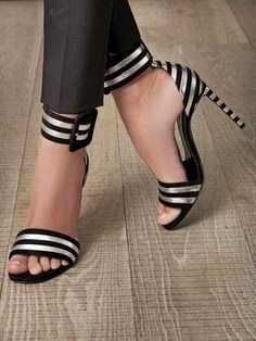 LOLO Moda: Unique women's shoes 2013  http://inspiredcommunicationsllc.com/