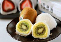 Fresh Kiwi Fruit Moci Dressers/台南 福樂屋 水果大福  OMG! I can eat them all... {^.^}//