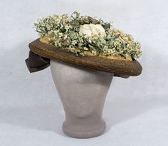 Two-Tone Floral Straw Hat Embellished With Pale Peach Fabric Roses And Sprays Of White Forget-Me-Nots, Crown Built-Up On One Side And Decorated With A Taupe Satin Bow, Crown Lined With Sheer Black Silk 1900s Fashion, Edwardian Fashion, Vintage Fashion, Bridal Accessories, Costume Accessories, Summer Hats, Spring Summer, Edwardian Clothing, Vintage Outfits
