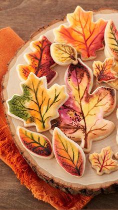 No Bake Sugar Cookies, Leaf Cookies, Fall Cookies, Iced Cookies, Cupcake Cookies, No Bake Cake, Cupcakes, Wilton Cake Decorating, Cookie Decorating