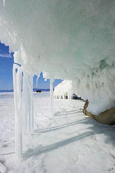 Más maloe (pequeño mar), el lago congelado en invierno, la isla de Olkhon, Baikal, patrimonio de la humanidad, Irkutsk Oblast, Siberia, Rusia, Eurasia