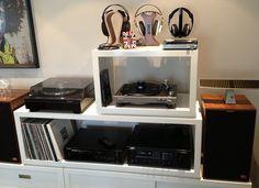 Headphone Listening Station     http://www.azoda.vn
