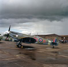 Duxford - Medium format - Supermarine Spitfire Mark VIII, MT928, D-FEUR | Flickr - Photo Sharing!