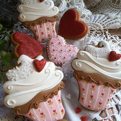 Valentine cupcakes cookies by Teri Pringle Wood Fancy Cookies, Iced Cookies, Cute Cookies, Cookies Et Biscuits, Cupcake Cookies, Sugar Cookies, Heart Cookies, Angel Cookies, Heart Cupcakes