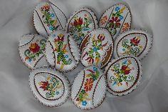 ručne zdobeny medovnik ako dekorácia a vyslužka pre oblievačov rozmery 9 x 7 cm