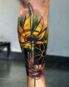 What are Trash Polka Tattoos? A painterly and dynamic tattoo style created by Simone Plaff and Volko Merschky at Buena Vista Tattoo Club in Germany, a collaborative effort described as a combination of realism and trash. Watercolor Sunflower Tattoo, Sunflower Tattoos, Sunflower Tattoo Design, Watercolor Tattoos, Cover Up Tattoos, Body Art Tattoos, Sleeve Tattoos, Leg Tattoos, Trash Polka Tattoos