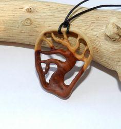 Деревянная бижутерия тепло природы и человеческих рук