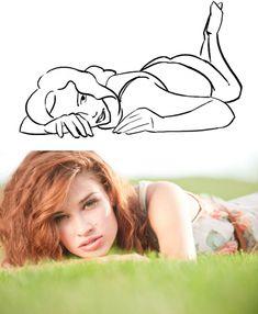 Милая и игривая поза. Отлично подходит для практически любого интерьера: на постели, в траве или на пляже