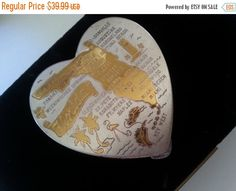 Now On Sale Vintage Heart Shaped Compact Florida by MartiniMermaid