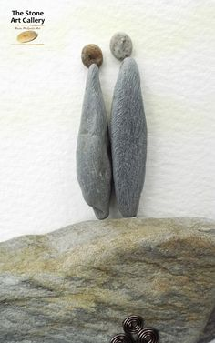Pebble Art: Pebbles from the Inishowen Coastline. Facebook: The Stone Art Gallery www.thestoneartgallery.com Picture Wire, Pebble Pictures, Pebble Art, Stone Art, Art Gallery, Sculpture, Facebook, Painting, Pebble Stone