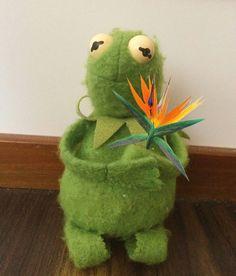 Funny Kermit Memes, Cartoon Memes, Hermit The Frog, Sapo Kermit, Sapo Meme, Frog Wallpaper, Barbie Convention, Funny Frogs, My Spirit Animal