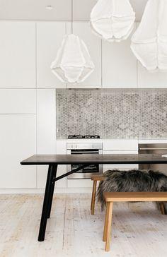 A light home in Australia | via Est magazine  #kitchen #interiordesign #homeinterior