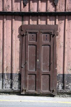 brown door | Flickr - Photo Sharing!