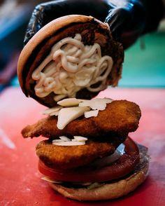 Γευστικές απολαύσεις ή αλλιώς αποθεώνοντας τη λέξη #alaburger! Ala Burger Quality Foods  Πέτρου Ράλλη 527 Νίκαια 2104920233 Hamburger, Stuffed Mushrooms, Vegetables, Ethnic Recipes, Desserts, Food, Stuff Mushrooms, Tailgate Desserts, Deserts