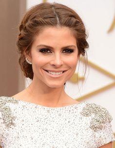 Maria Menounos et son chignon tresse aux Oscars 2014 http://www.elle.fr/Beaute/Maquillage/Maquillage-de-stars/OSCARS-Les-30-plus-beaux-looks-beaute/Maria-Menounos-et-son-chignon-tresse