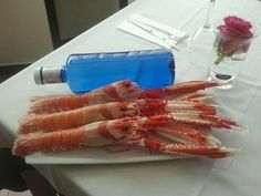 Cigalas de Marín de tamaño botella que han entrado en nuestra cocina. Restaurante de Carla, Moaña.