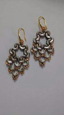 arcos de puca bead earrings