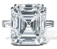Asscher Cut Engagement ring. Whoa!