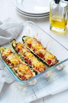 """Het lekkerste recept voor """"Gevulde courgette met gehakt"""" vind je bij njam! Ontdek nu meer dan duizenden smakelijke njam!-recepten voor alledaags kookplezier!"""