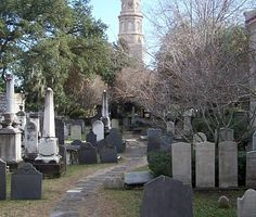 Directions: The Gateway Walk in Charleston, South Carolina: A Self-Guided Walking Tour in the Historic District of Charleston through gates, gardens, and graveyards.