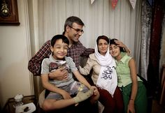 Freed Iranian human rights lawyer reunited with her family - PhotoBlog