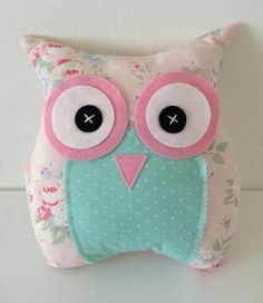 Owls with their hands