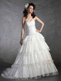 Ball Gown Strapless Scoop Neck Dress with A Dropped Waist Wedding Dress