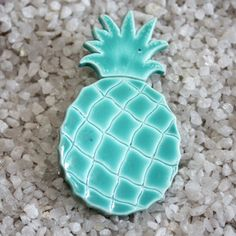 Vintage big Pineapple Brooch pin turquoise by MODaccessoiries,
