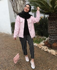 57 Ideas For Dress Hijab Casual Summer Dresses Tesettür Jean Modelleri 2020 Hijab Casual, Hijab Chic, Hijab Fashion Casual, Fashion Muslimah, Casual Ootd, Ootd Hijab, Casual Jeans, Muslim Fashion, Modest Fashion
